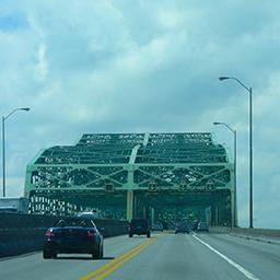 Pont Champlain.